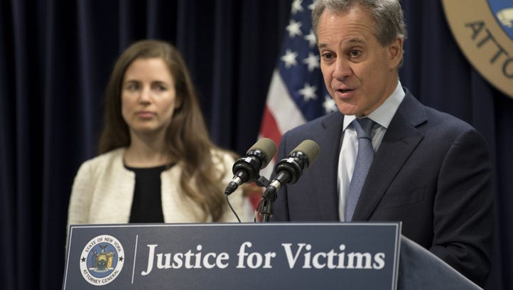 N.Y. AG Eric Schneiderman facing criminal investigations amid abuse claims