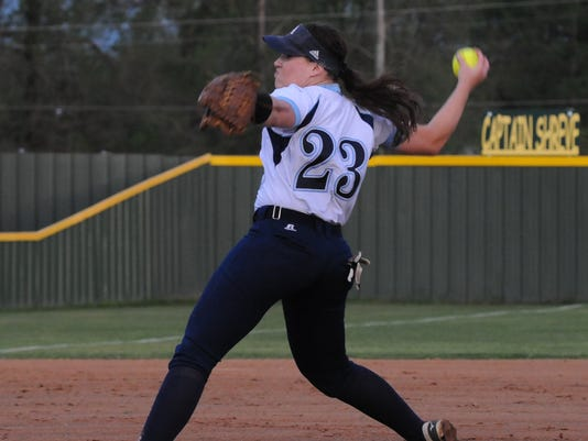 635951494345853785-Hannah-Hutson-pitches.jpg