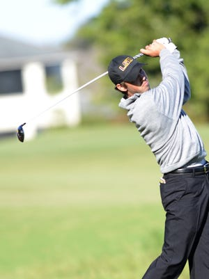 Former Loyola College Prep star Eric Ricard is headed to match play at the Western Amateur.