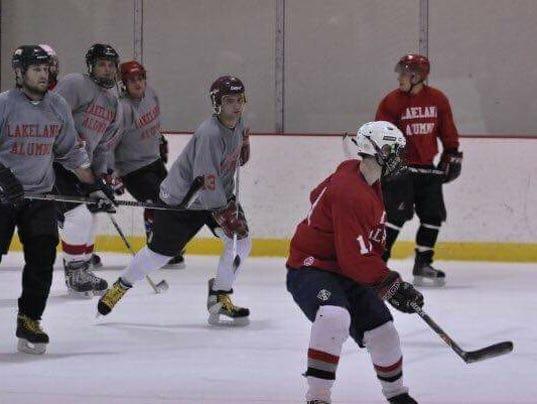 636559298473279593-Hockey---Alumni-Game.jpg