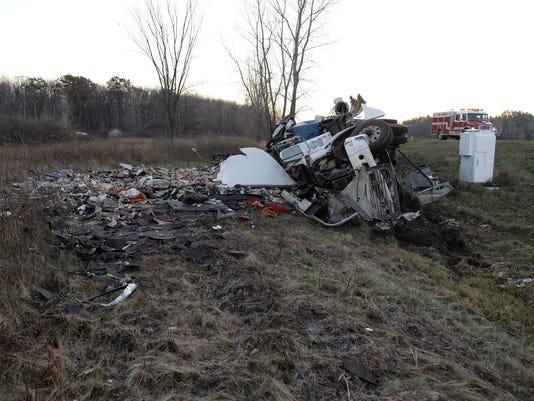 636471068957710533-hauler-crash.jpg