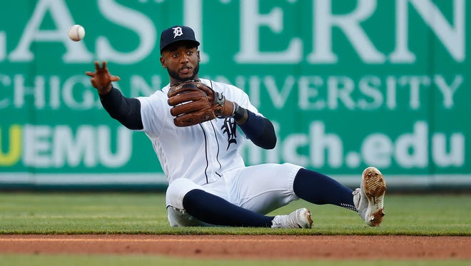 Detroit Tigers second baseman Niko Goodrum throws to first base for an out on a grounder by the Chicago White Sox's Daniel Palka in the first inning Friday.