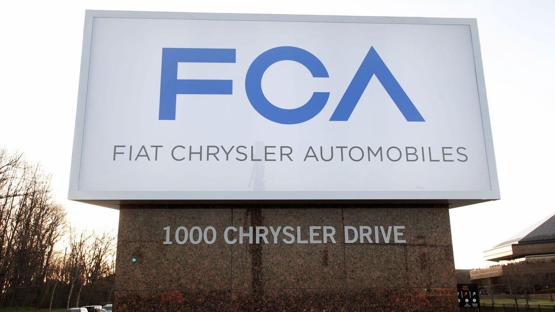 October auto sales decline 4.4%