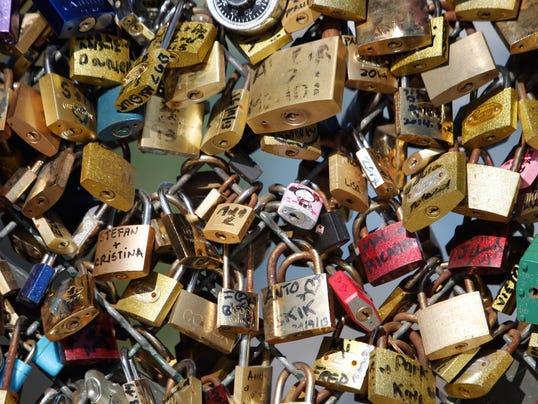 AP France Paris Love Locks