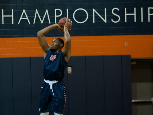 Auburn Basketball Practice