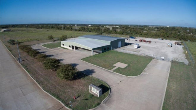 The Bastrop Economic Development Corporation is seeking to purchase a $1.35 million building located in the Bastrop Business Park for job training purposes.