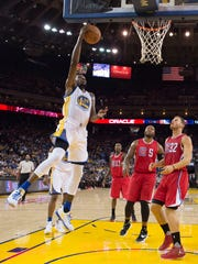 Golden State Warriors forward Kevin Durant (35) shoots