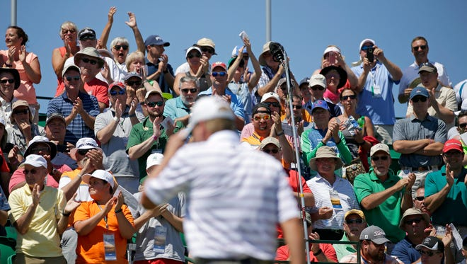 Steve Stricker gets a round of applause as he appears for his first shot on the 1st hole during the opening round of the 2017 U.S. Open Championship at Erin Hills on Thursday, June 15, 2017.