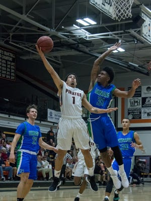 Isiah Reyes, shown in Ventura College's first win over Oxnard on Jan. 26, had 22 points and eight assists in Ventura's 103-80 over Oxnard on Wednesday.