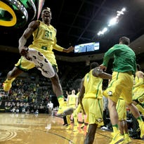 Unselfish play has Oregon Ducks basketball the team to beat in Pac-12