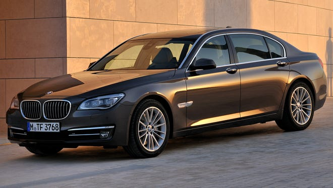 BMW 7-Series has become 'ponderous' and now has 'ungainly handling,' Consumer Reports says, making it a new car to avoid.