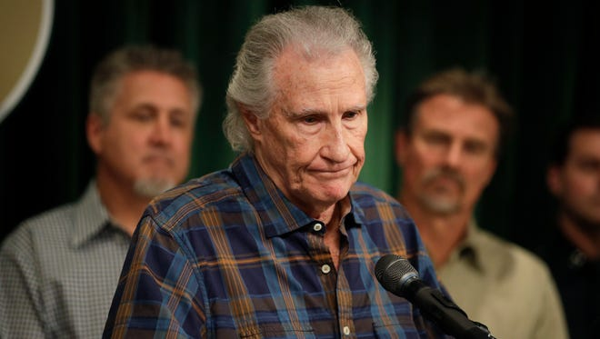 Righteous Brothers singer Bill Medley at news conference Jan. 30, 2017, in Los Angeles, where officials announced identity of man who killed his ex-wife four decades ago.
