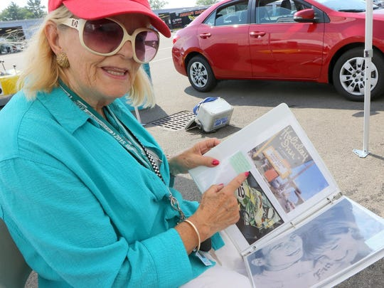 Sally Swart shows a picture of her holding ex-boyfriend