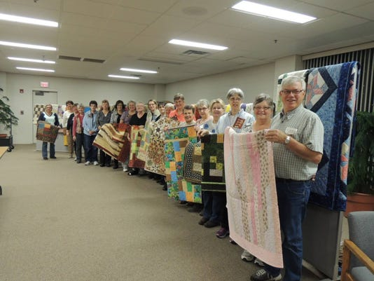 stc 0119 CT st cloud heritage quilters.jpg
