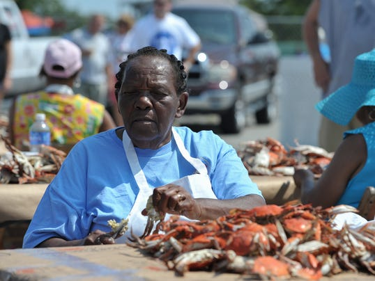 MAIN CrabPickingContest2014-11.jpg
