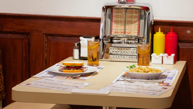 Pancakes, grilled cheese, coffee and club sandwiches ... no New Jerseyan can resist the charms of a classic Jersey diner.