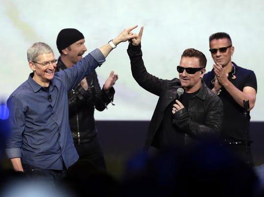 BC-US--Music-U2's Su.JPG