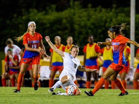 Women's soccer: Kayla Adamek