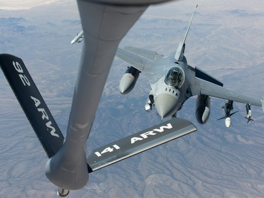 What S It Like To Refuel Fighter Jets Mid Air A Rare Up