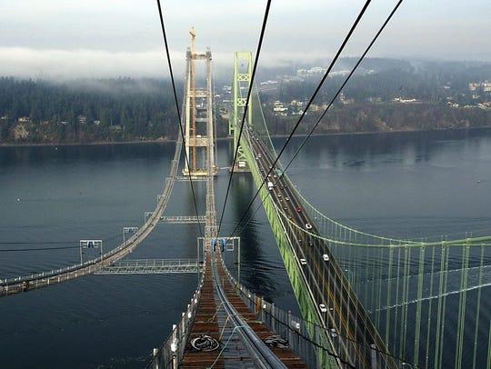 The new bridge under construction in 2006.