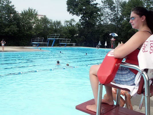 maywood_pool