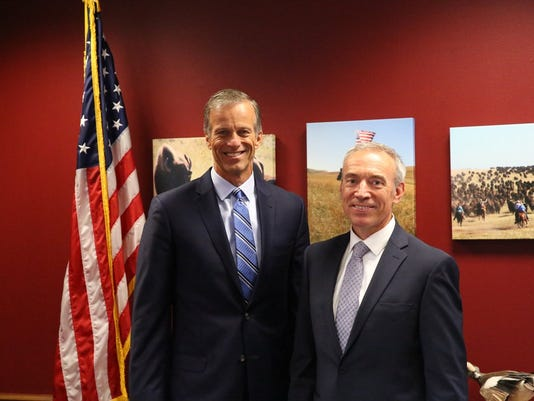 636359071939961663-Thune-Censky.jpg