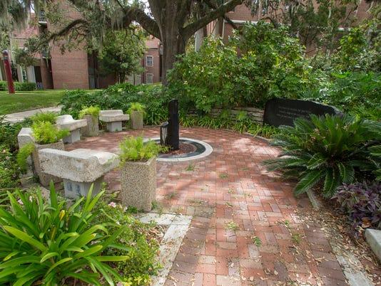 636587860514483784-memorial-garden-1-1200.jpg