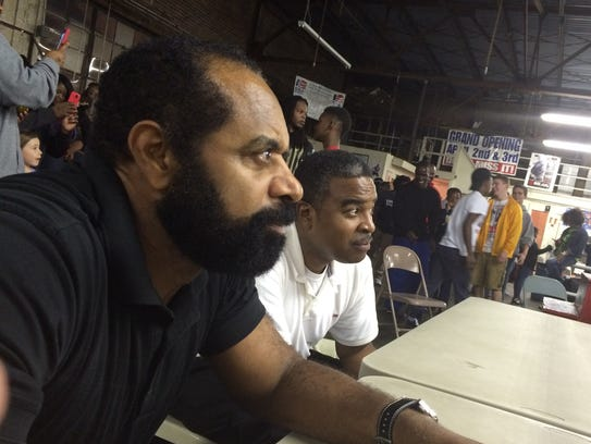 Hardy Marshall (left) and Obie Beard watch the ring