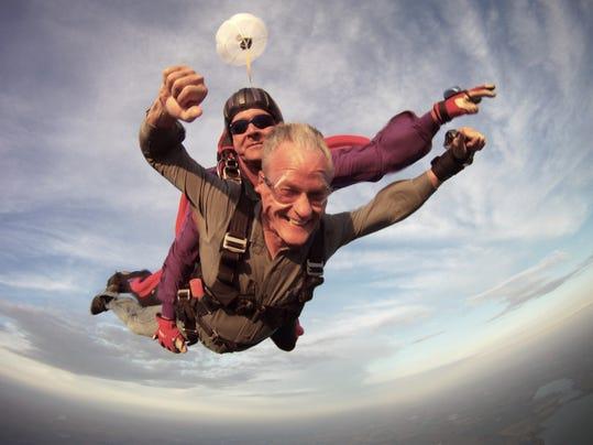 AP APTOPIX Governor Skydive