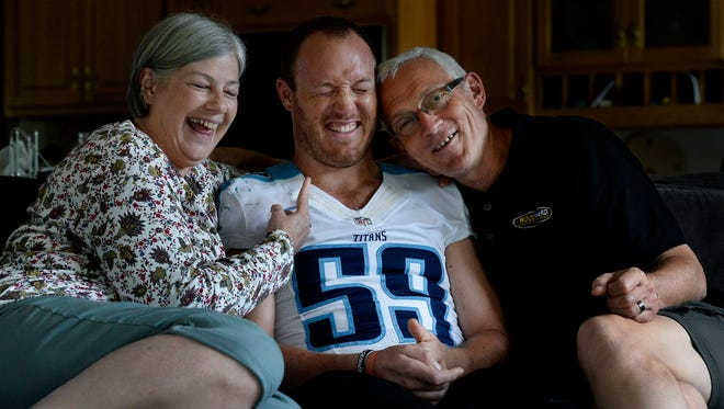 Tim Shaw jokes with his parents, Sharon and John Shaw, on June 2, 2015, in Nashville Tenn.