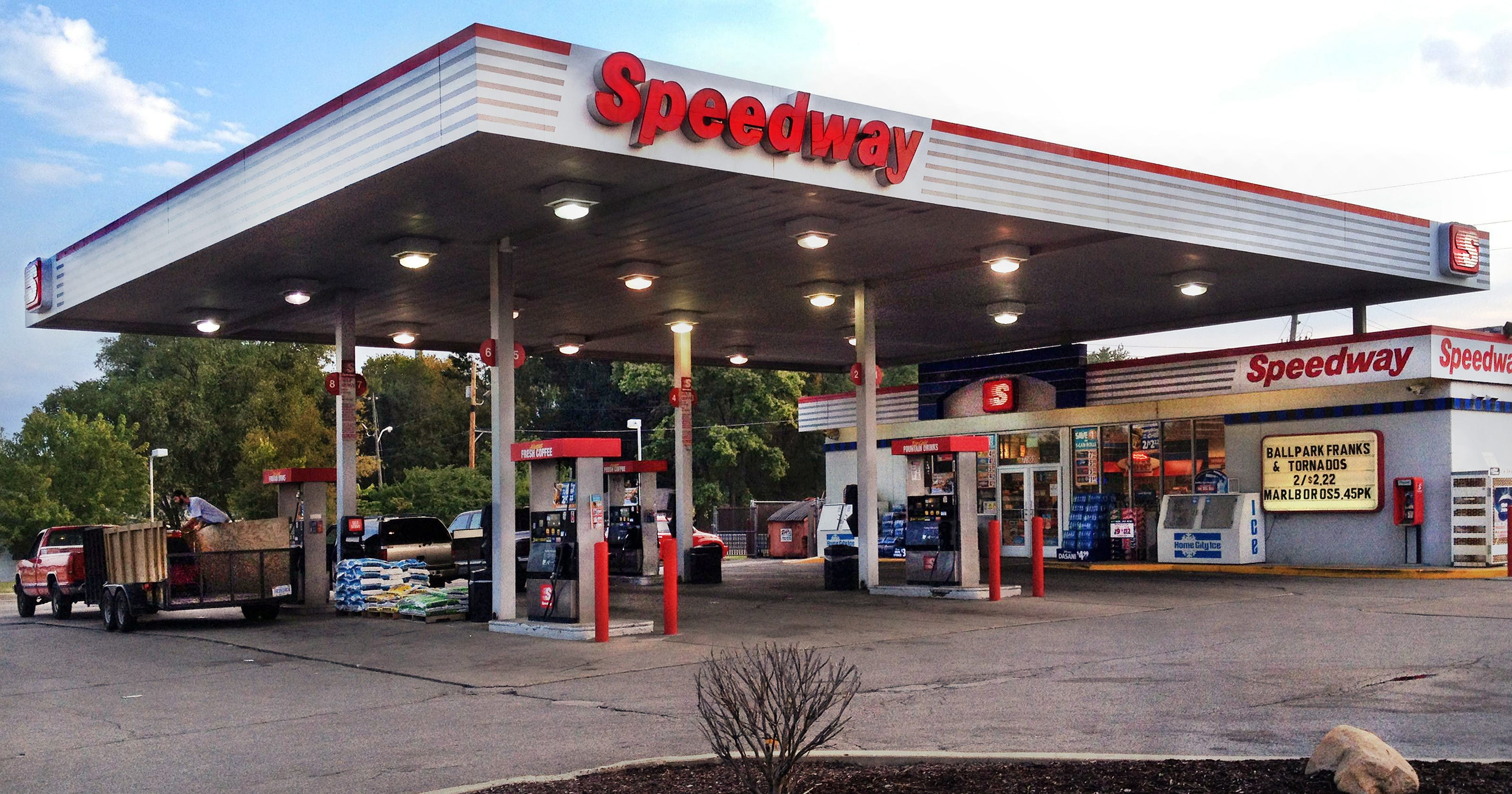 Near Gas Station >> Halt Gas Stations Near Neighborhoods Indy Planners Say