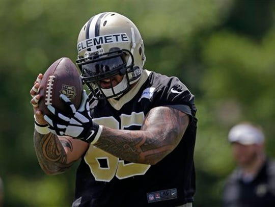 New Orleans Saints guard Senio Kelemete (65)  pulls