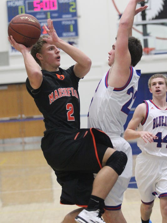 MNH 0110 Marshfield Merill Boys Basketball 02