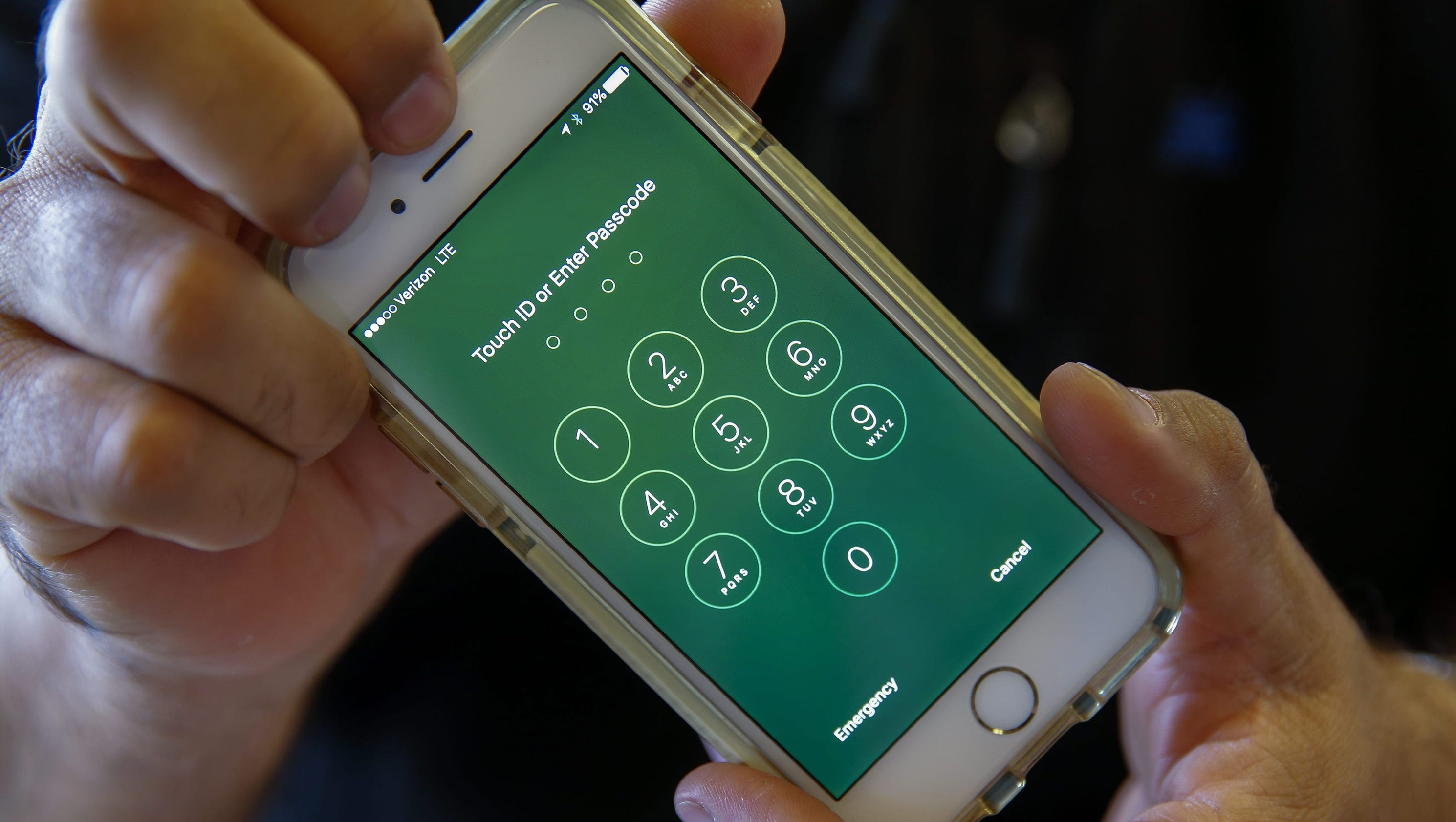 man killed after tracking down his stolen iphone