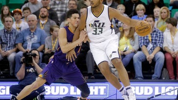 Hayward scores 28, Jazz hold on for 112-105 win over Suns