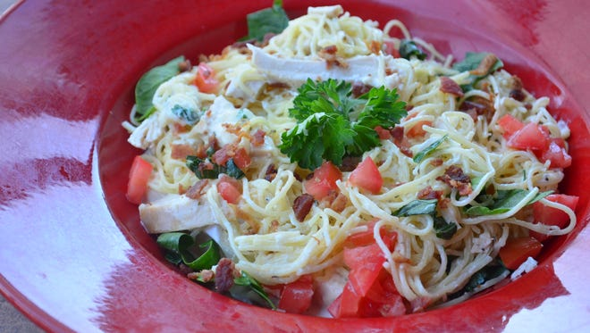 If you thought chicken Alfredo couldn't get any better, then try this BLT Alfredo. Creamy sauce, Parmesan, tender chicken, smoky bacon, tomatoes and spinach work magic on your taste buds.