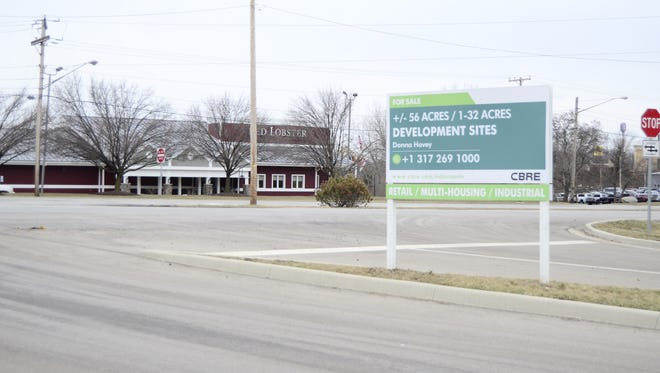The front entrance to the Crossroad Commons commercial development is seen Wednesday, Feb. 1, 2017.