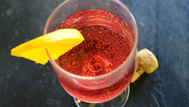 This Cran-Orange Moscato Cocktail only has a few ingredients and comes together in seconds.  It's a great way to kick off Mother's Day.