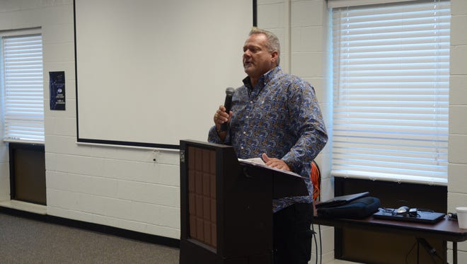 Retired NFL player Randy Grimes share his story of addiction and recovery at the Sanilac Career Center.