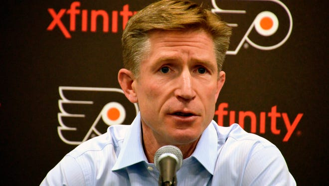 """Flyers coach Dave Hakstol said the fact that his team lost a """"winnable"""" series against Pittsburgh still makes him sick."""
