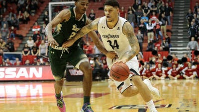 University of Cincinnati freshman Jarron Cumberland was named American Athletic Conference Player of the Week on Monday.