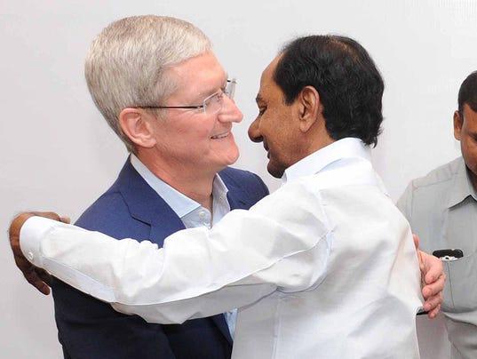Apple woos India to spur weakening iPhone sales