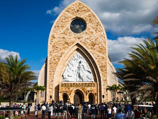 0119 Ave Maria Parish 02 Lede Jump Page