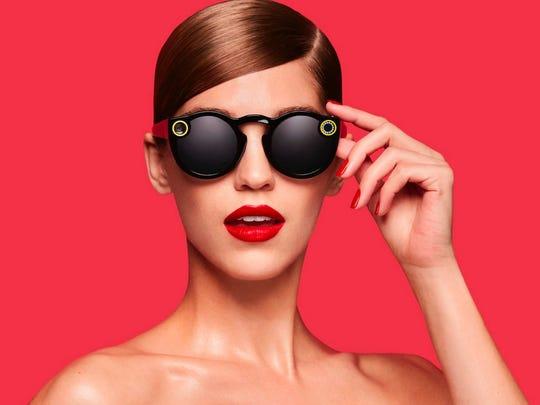 Snapchat spectacles record circular video.