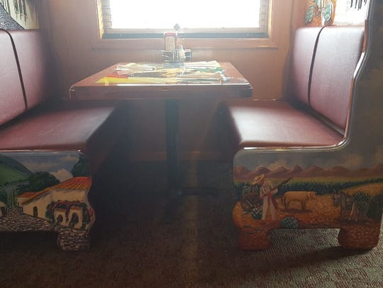 El Javenaso received its authentic booths from Mexico