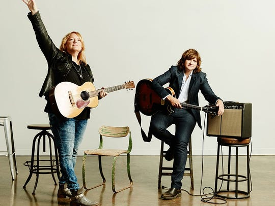 The Indigo Girl return to perform with the Cincinnati