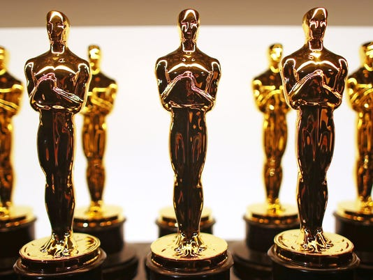 636555846826441382-Oscar-statues-Getty-Images.jpg