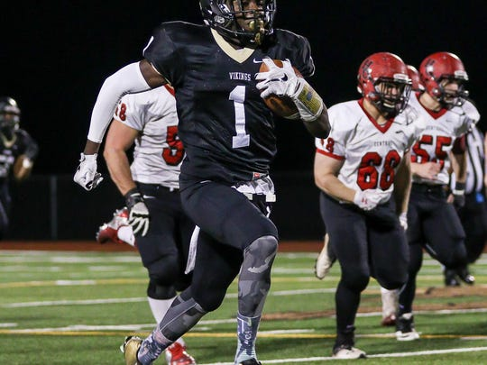 Mohamed Jabbie scored the game-winning touchdown as South Brunswick beat Manalapan to advance to the NJSIAA Central Group V final on Friday.