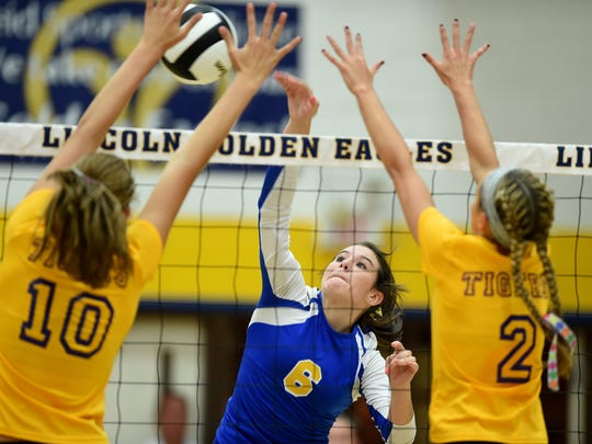 Lincoln's Laynie Russell hits against Hagerstown's