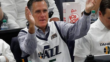 Mitt Romney taunting Westbrook is best NBA meme